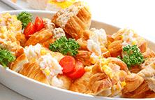クロワッサンサンドイッチ(玉子ハム、ツナ、ポテトサラダ)