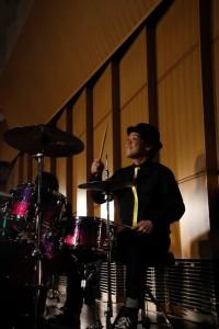 ドラム演奏写真